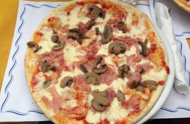 Pizza in Riva