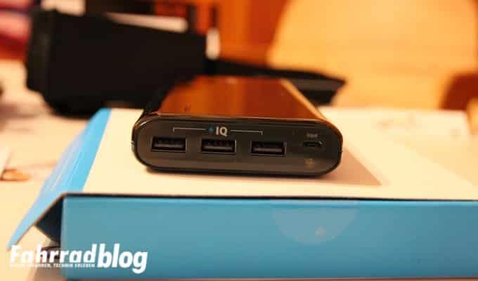 Anker E7 USB Ports